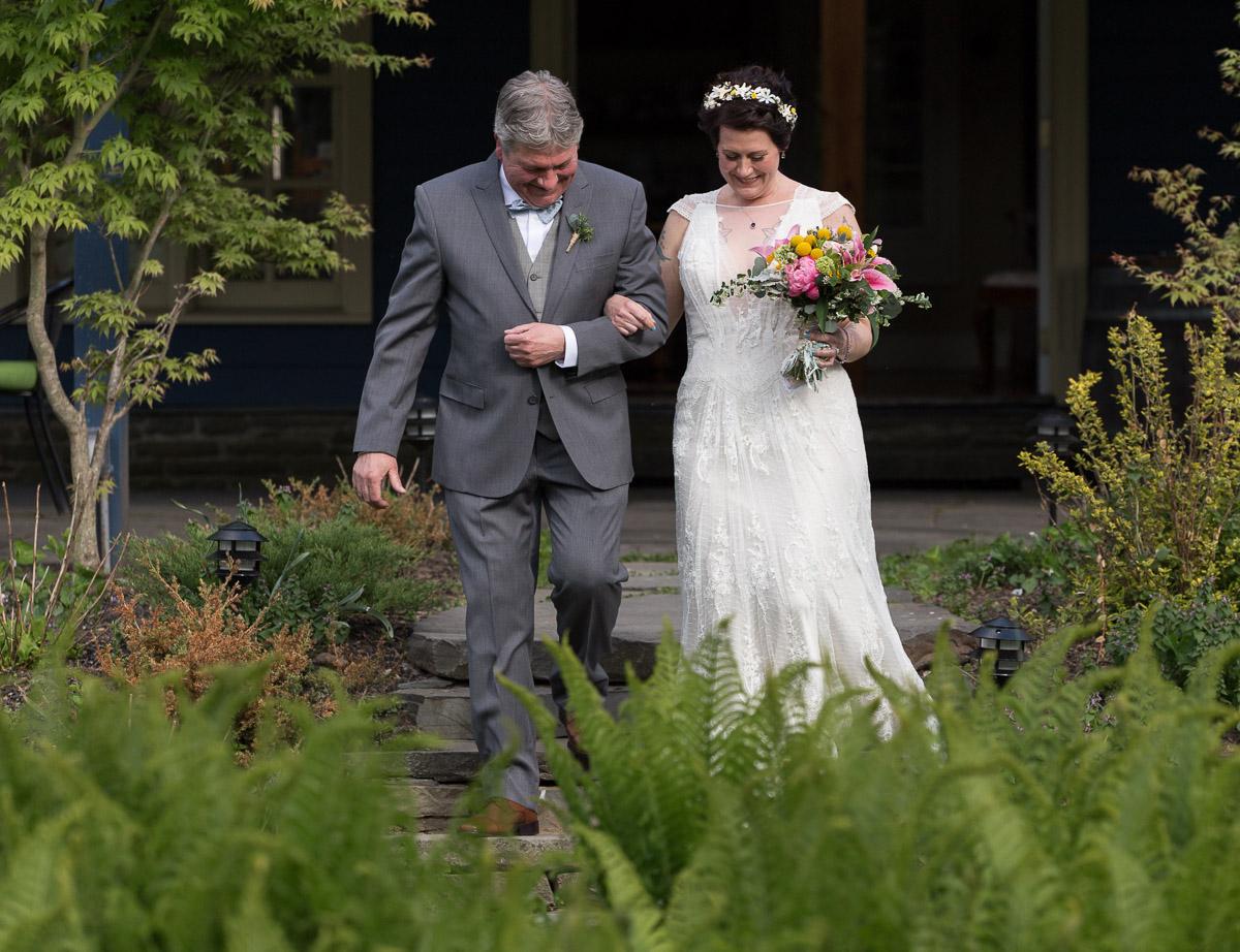 Elm Rock Inn spring wedding