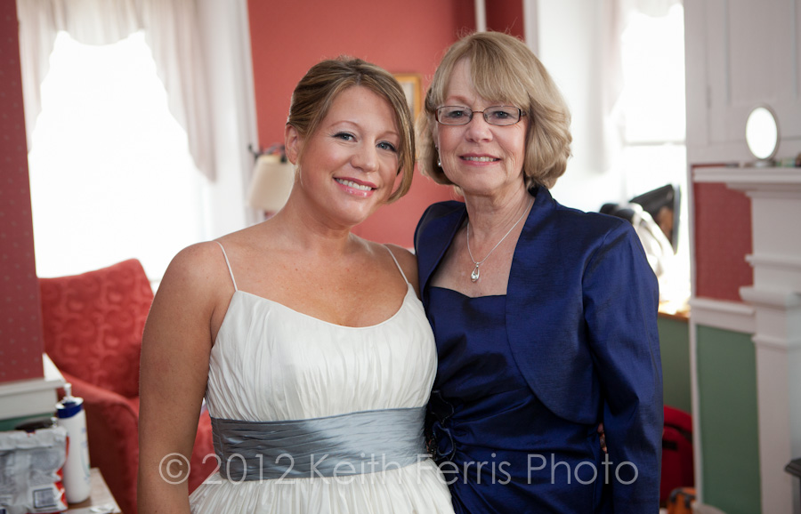 the bride and her mother in the Stone Ridge Inn