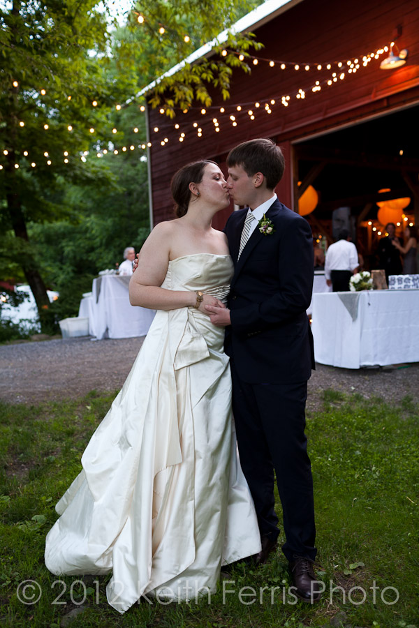 an evening kiss outside the barn at Shadow Lawn