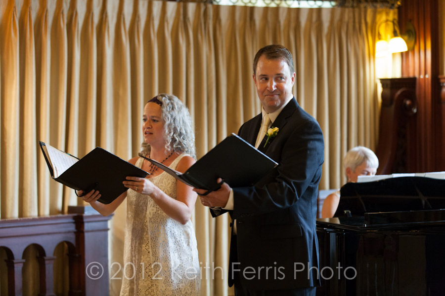 singing groom at Mohonk