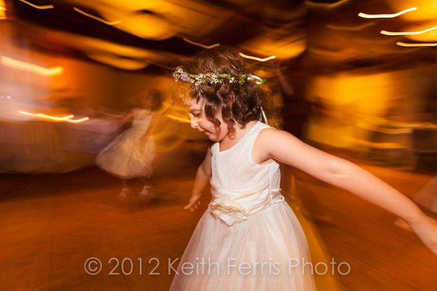 kids dancing at wedding